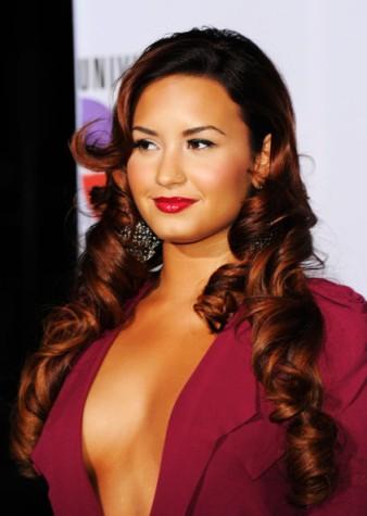 Demi+Lovato+Makeup+Red+Lipstick+-GxvkZrtzudl