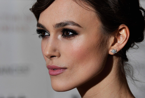 Keira knightley smokey eye makeup
