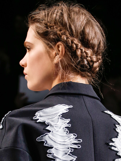 viktor-and-rolf-fall-2013-braided-crown