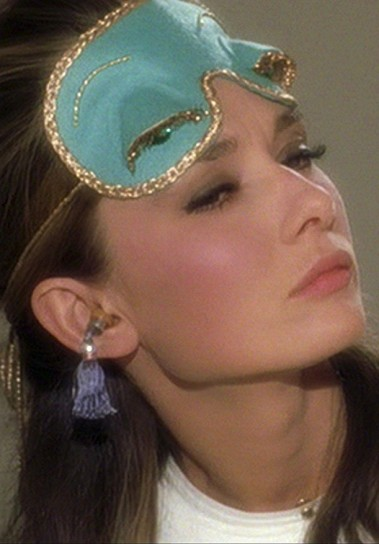 breakfast_at_tiffany_s_costume