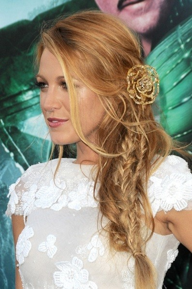 blake-lively-cabelo-lateral-hair-side-fishtail-braid