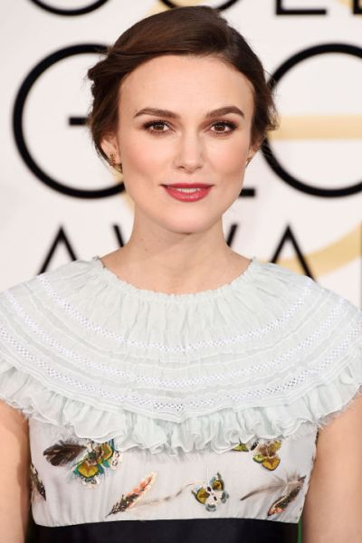 54b58be598425_-_hbz-beauty-gg-2015-keira-knightley